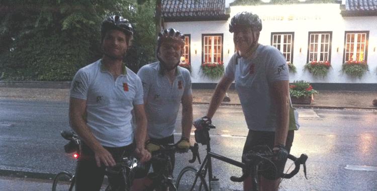 Cyclisten im Regen