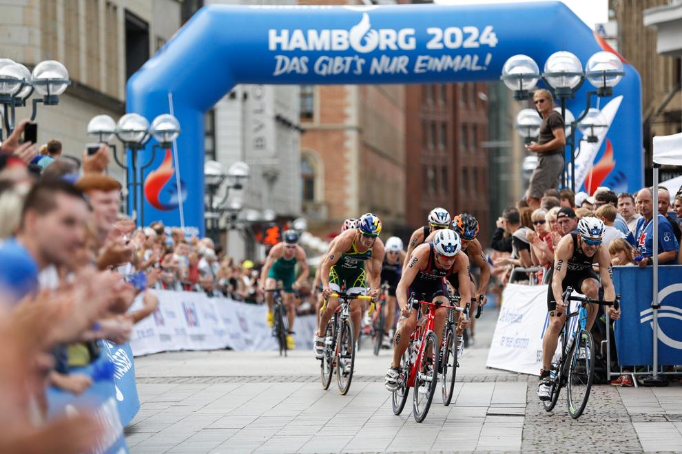 Triathlon Radfahren - Radstrecke beim Hamburg Triathlon