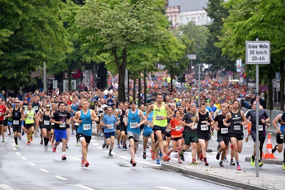 Start beim Hella Halbmarathon Hamburg 2017 auf der Reeperbahn.