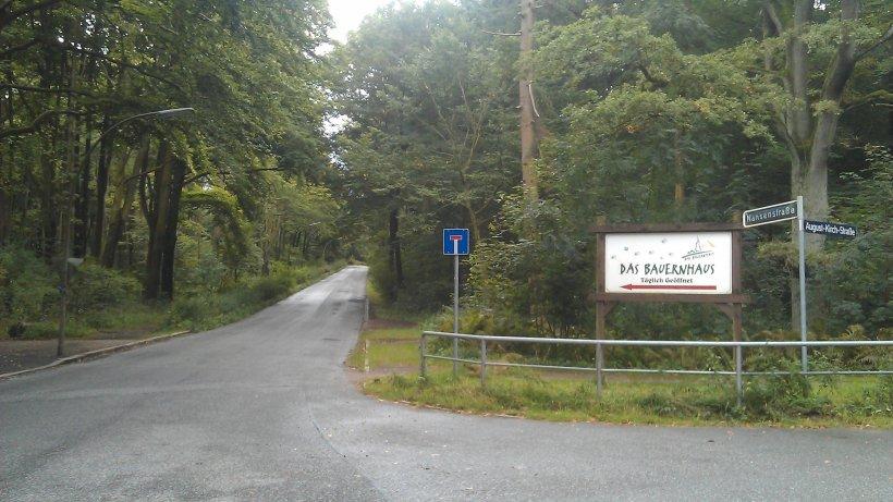 Einfahrt in die Nanstenstraße